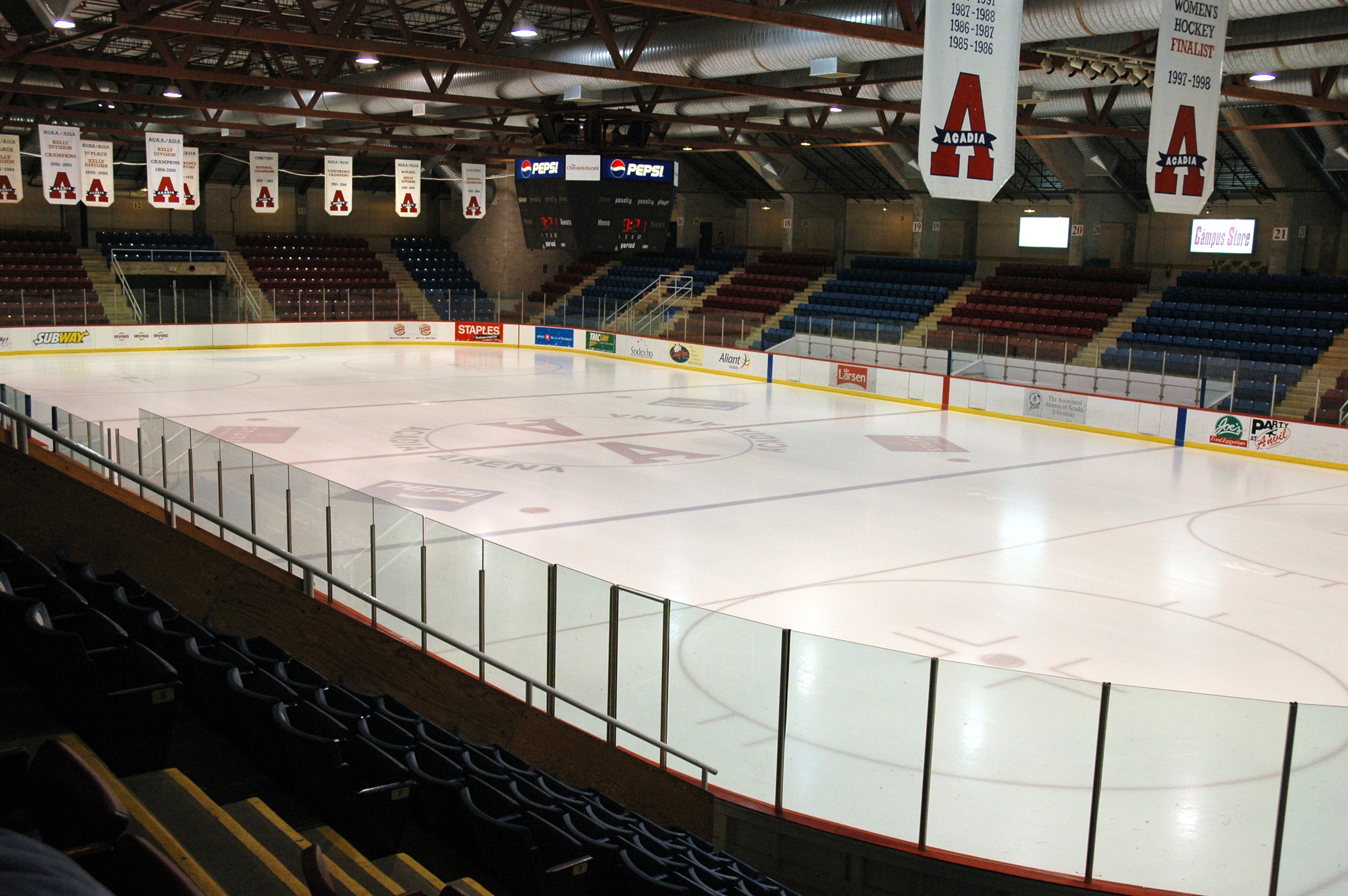 tl_files/sites/campustour/resources/tour/Services/Athletic Complex/rink1.jpg
